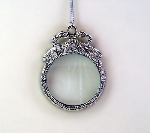 magnifying_glass_necklace
