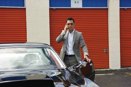 Burn_notice_westen_with_car_1