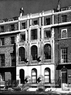 Lincolns_Inn_Fields_small