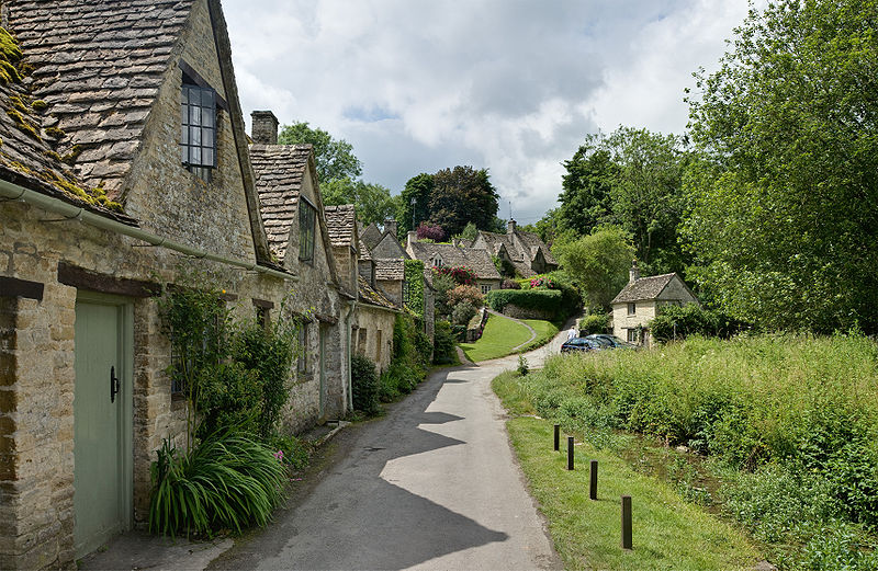 village_of_Bibury_Cottswolds_crDavid_Iliff