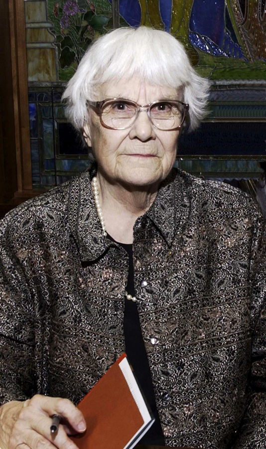 doing the right thing in to kill a mockingbird by harper lee To kill a mockingbird, by harper lee editor's note: then she said, 'and i want to let you know you're right i did write that book' it somehow seems a very harper lee-like thing to do.